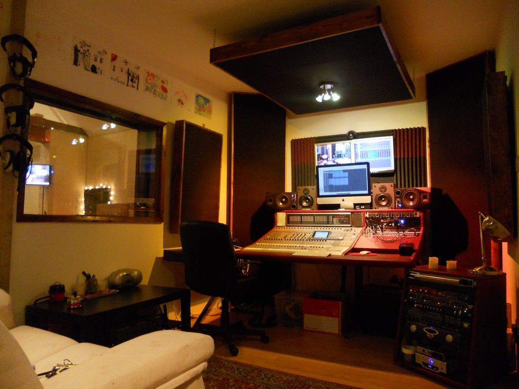 Studio - Small space studio set ...
